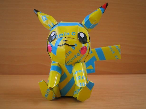 escultura-latas-cervezas-pikachu
